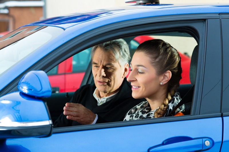 To pass driving test, students and parents need all the best tips for driving and for remaining safe while on the road no matter where that road lies.